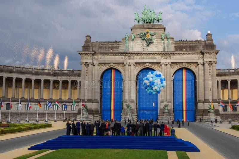 Fuochi d'artificio sopra area, durante la foto di famiglia dei leader mondiali, durante la cena di lavoro alla SOMMITÀ di NATO 20 immagine stock