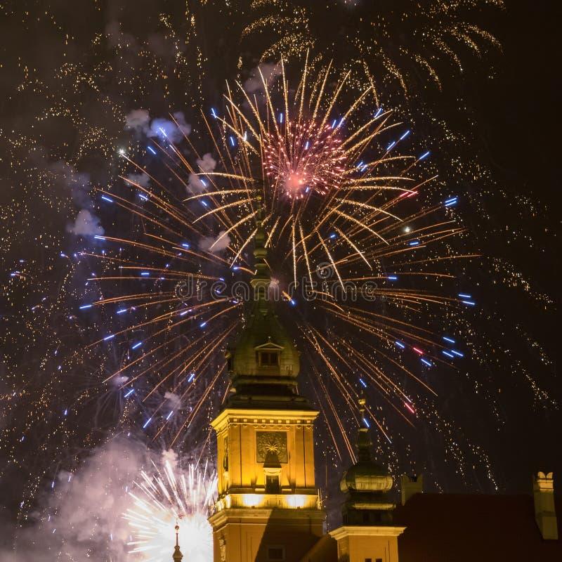 Fuochi d'artificio sopra Varsavia fotografie stock