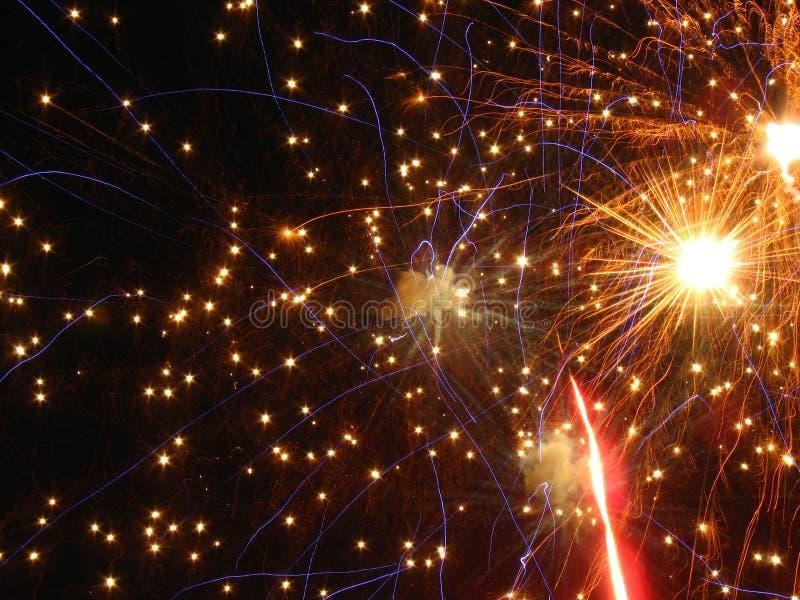 Fuochi d'artificio stupefacenti fotografie stock libere da diritti