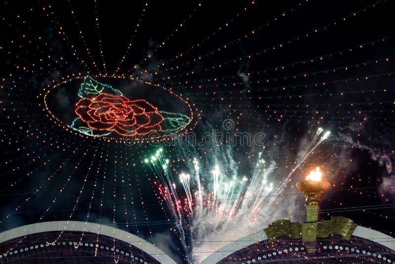 Fuochi d'artificio sui giochi di massa di Arirang nel Korea di Nord fotografie stock
