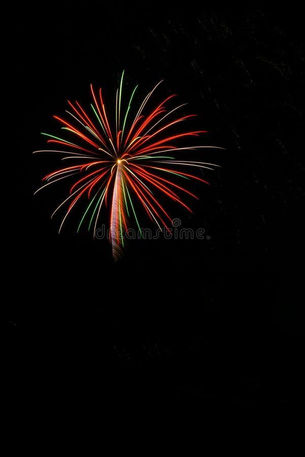 Fuochi d'artificio sul il quarto luglio fotografia stock
