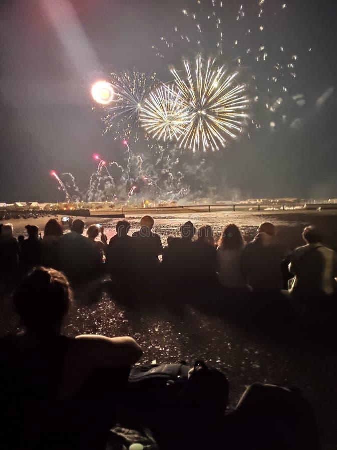 Fuochi d'artificio sul mare accanto a La Rochelle, Francia immagini stock libere da diritti