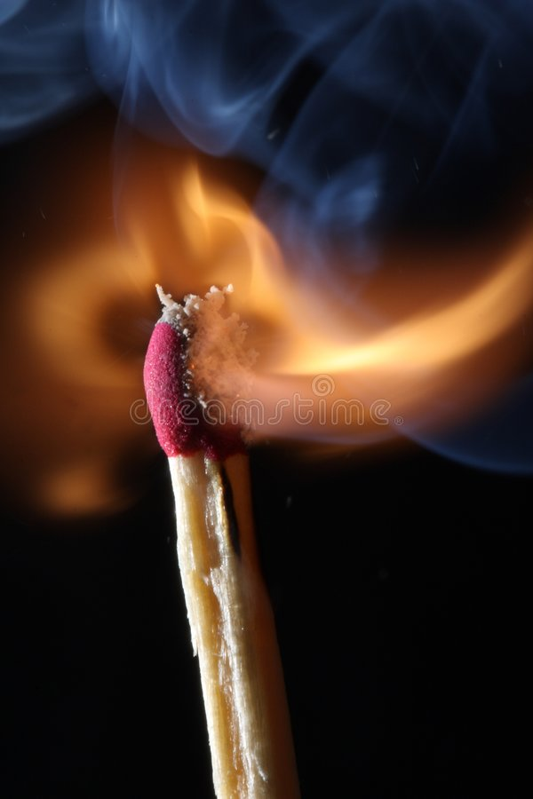 Fuoco - Burning della corrispondenza fotografie stock