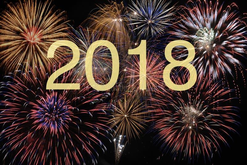 Fuoco d'artificio alla vigilia dei nuovi anni e al silvester 2018 fotografie stock