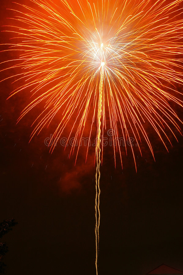 Fuoco d'artificio arancione fotografie stock