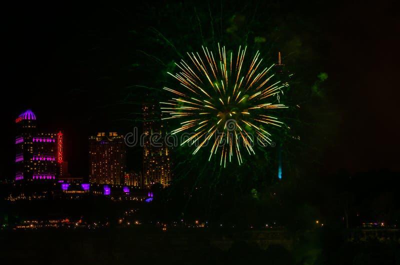 Fuoco d'artificio a Niagara fotografia stock