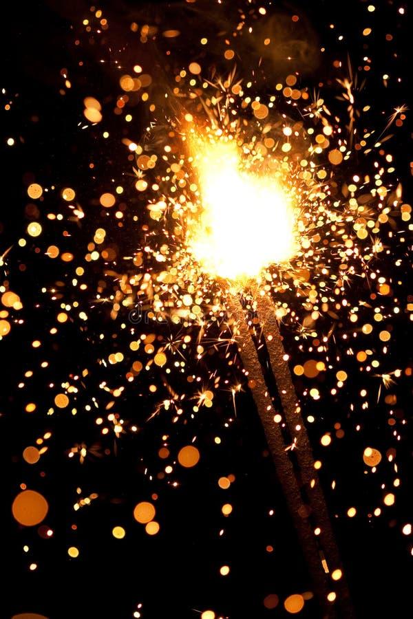 Fuoco d'artificio voluminoso fotografia stock