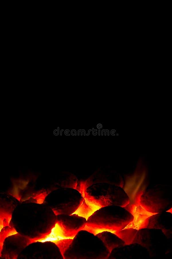 Fuoco del carbone di legna pronto per il barbecue fotografia stock libera da diritti