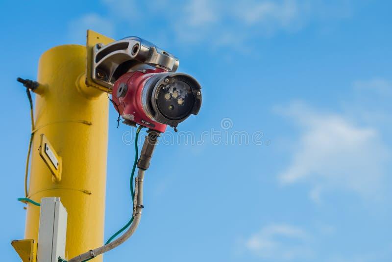 Fuoco e sistema di rilevamento dell'allarme e di arresto di gas di petrolio e di gas che elaborano piattaforma fotografie stock libere da diritti