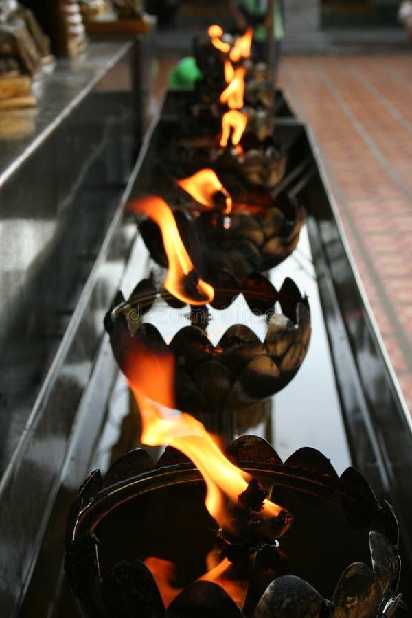 Fuoco in tempio Tailandia fotografie stock