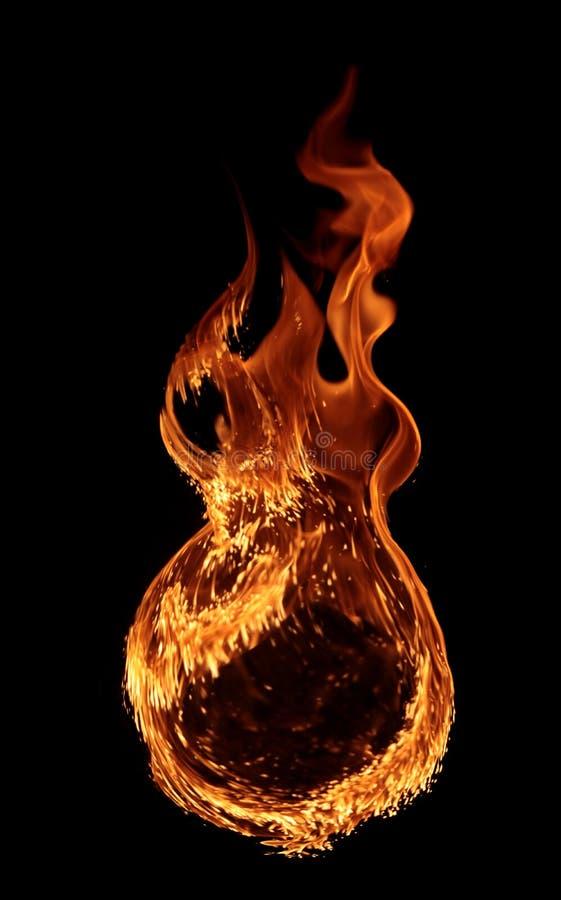 Fuoco - un anello creato dalla fiamma e dalle grandi fiamme brucianti fotografie stock libere da diritti