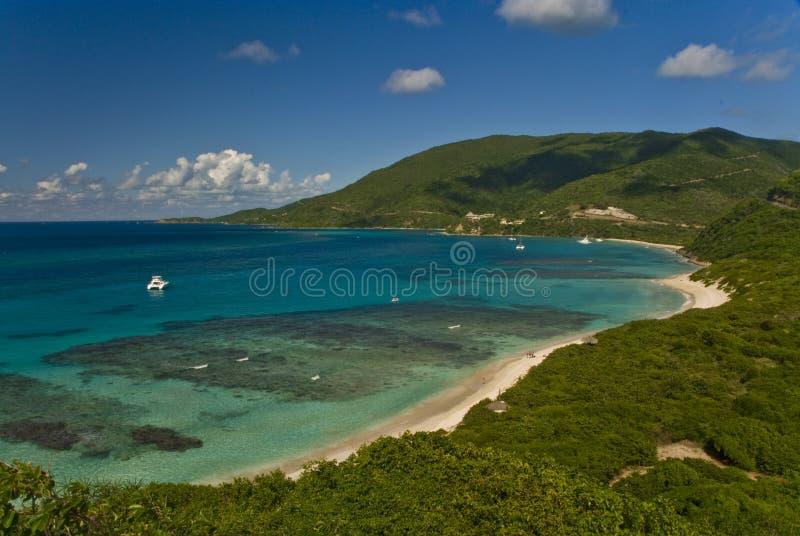 Fuori dal litorale dell'isola BVI di Gorda del Virgin immagini stock