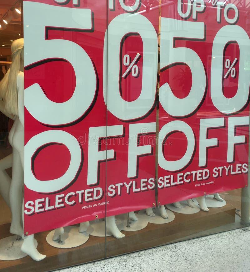 50% fuori dall'insegna del segno di vendita fotografia stock