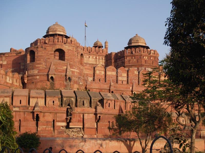 Fuori della fortificazione rossa a Agra, l'India fotografia stock
