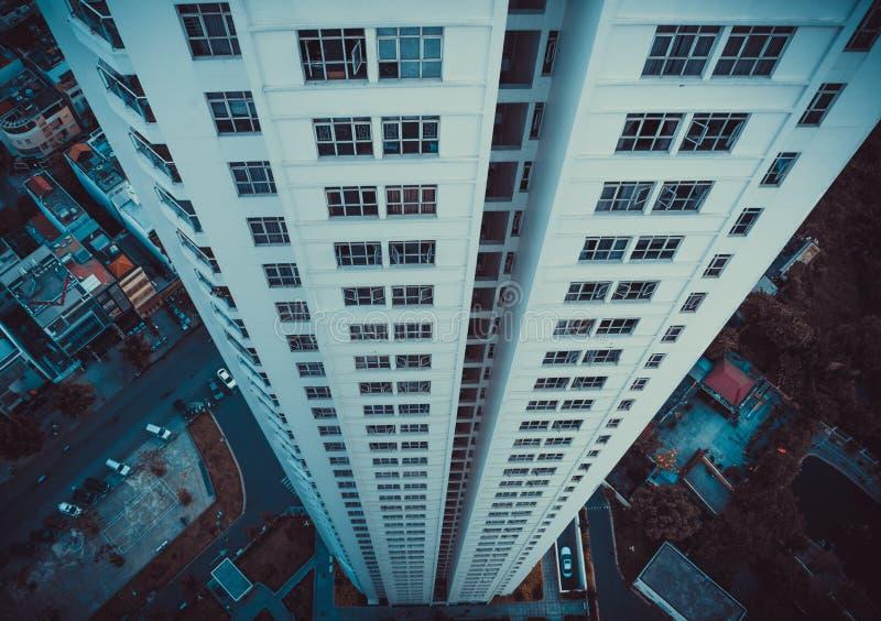 Furchtsame Ansicht - schauen Sie nicht unten! stockfoto