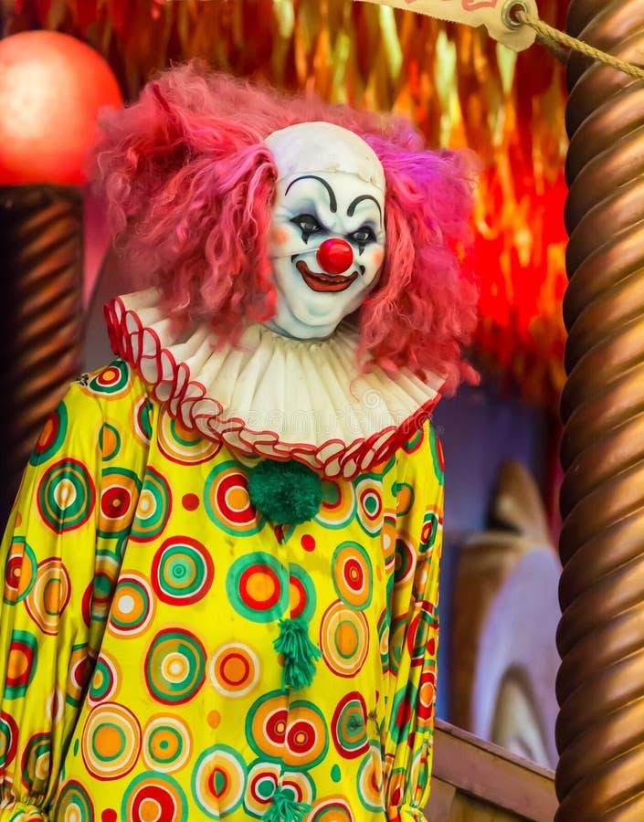 Furchtsame Clownpuppe lizenzfreie stockfotografie