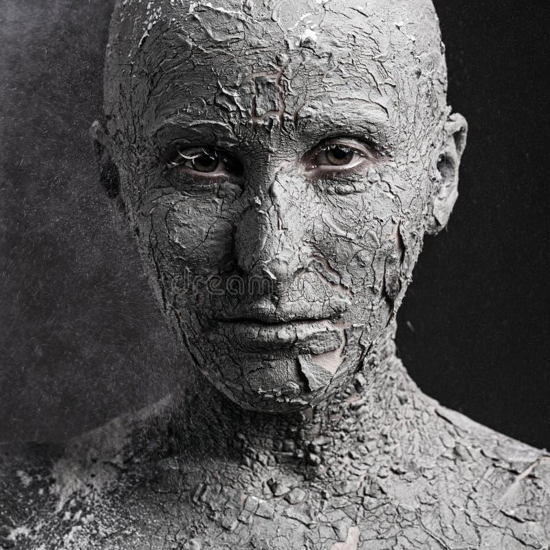 Furchtsames Gesicht mit gebrochener Haut lizenzfreies stockfoto
