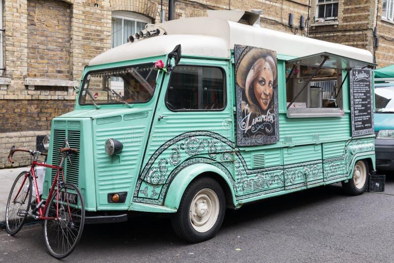 Furgone d'annata dell'alimento di Citroen a Londra fotografia stock libera da diritti