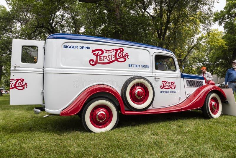 Furgone 1937 di consegna di Pepsi-cola del vagone del furgone chiuso di Ford immagini stock libere da diritti