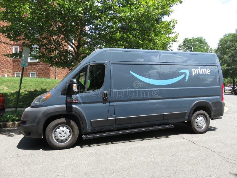 Furgoneta de entrega del Amazon Prime foto de archivo libre de regalías