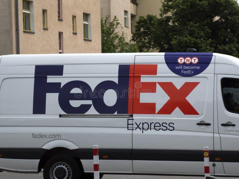 Furgoneta de entrega de Fedex TNT foto de archivo libre de regalías