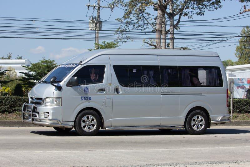Furgoneta del autobús escolar de Chiang Mai Rajabhat University fotos de archivo