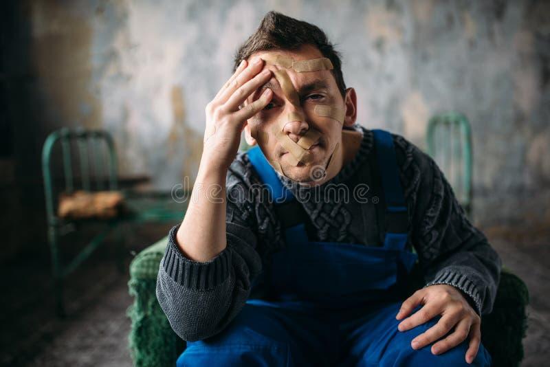 Furiat, usta pieczętujący z tynkiem, psychiczny pacjent zdjęcie stock