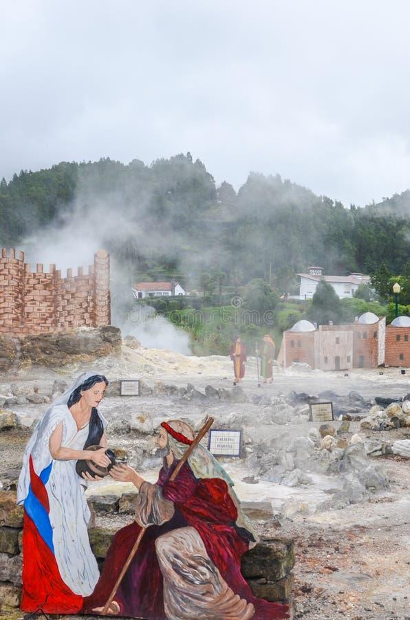 Furnas, Sao Miguel, Azorerna, Portugal - den 13 januari 2020: Vulkaniska varmfjädrar i portugisiska ugnar Geotermisk svavelkälla  arkivfoton