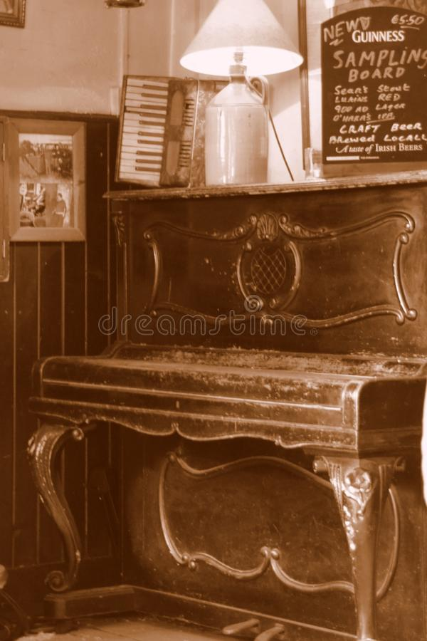 Furniture, Piano, Table, Keyboard Free Public Domain Cc0 Image