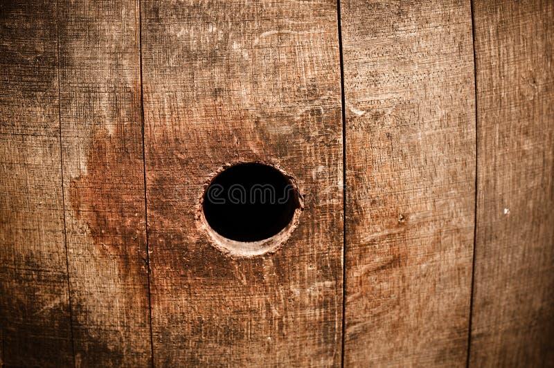 Furo da espreitadela do nó de tambor do vinho fotografia de stock