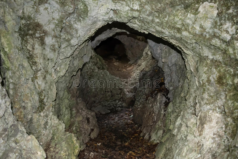Furo da pedra calcária imagens de stock