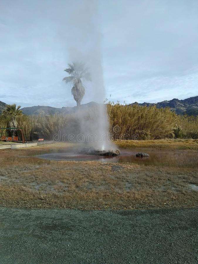 Download Furo no geyser imagem de stock. Imagem de geyser, água - 107528403