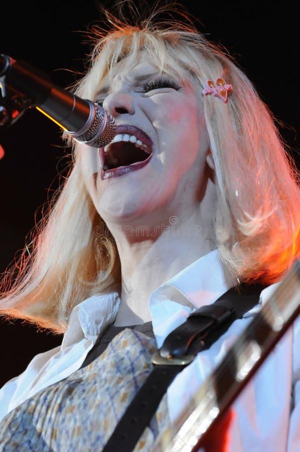 Furo que caracteriza a execução de Courtney Love viva. fotos de stock royalty free
