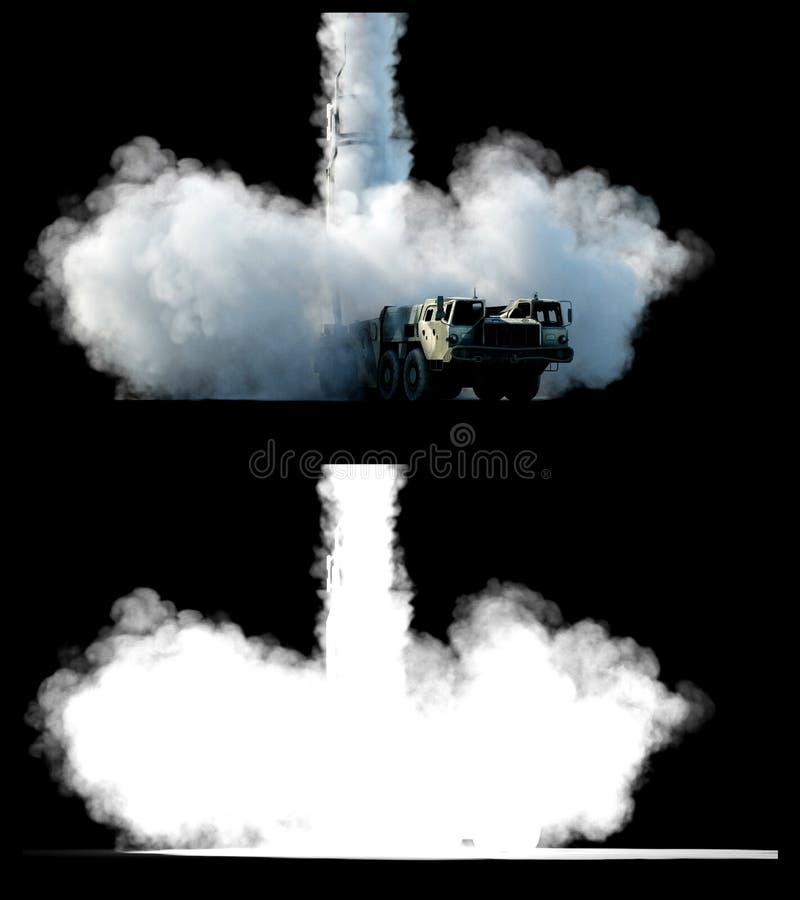 Fusée ballistique nucléaire, complexe Fusée de lancement, isolat de la poussière rendu 3d illustration libre de droits