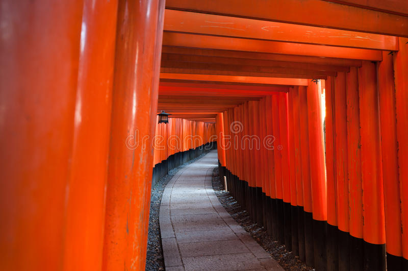 Fushimi Inari relikskrin i Kyoto, Japan arkivbild