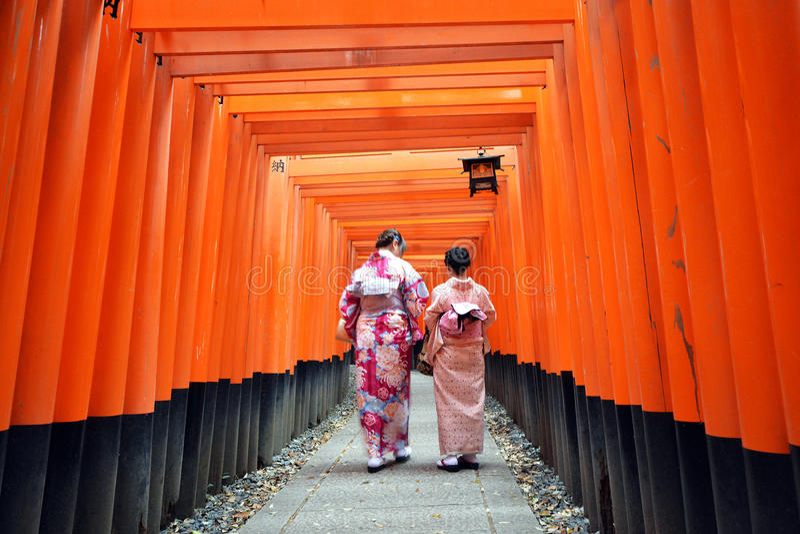 Fushimi Inari relikskrin, Kyoto, Japan arkivfoton
