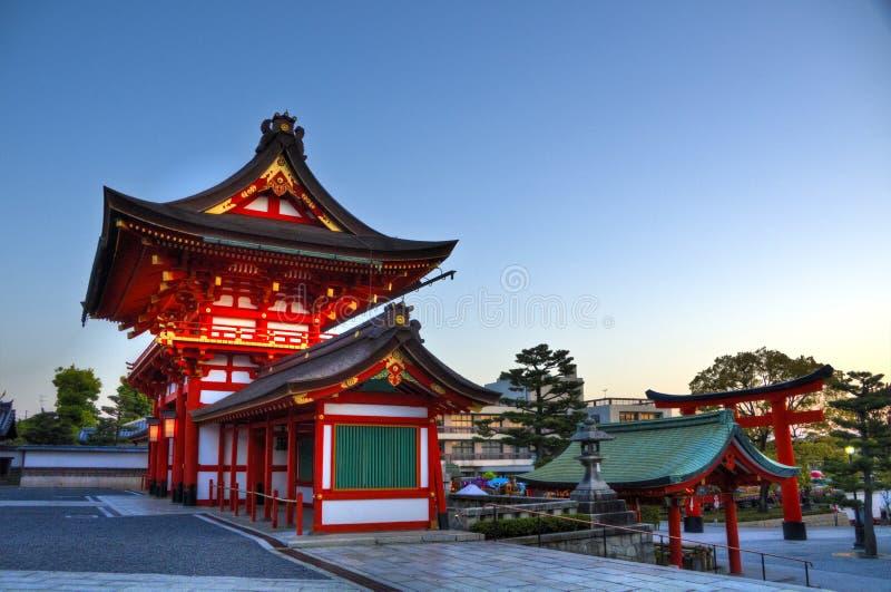 Fushimi Inari relikskriningång, Kyoto arkivfoton