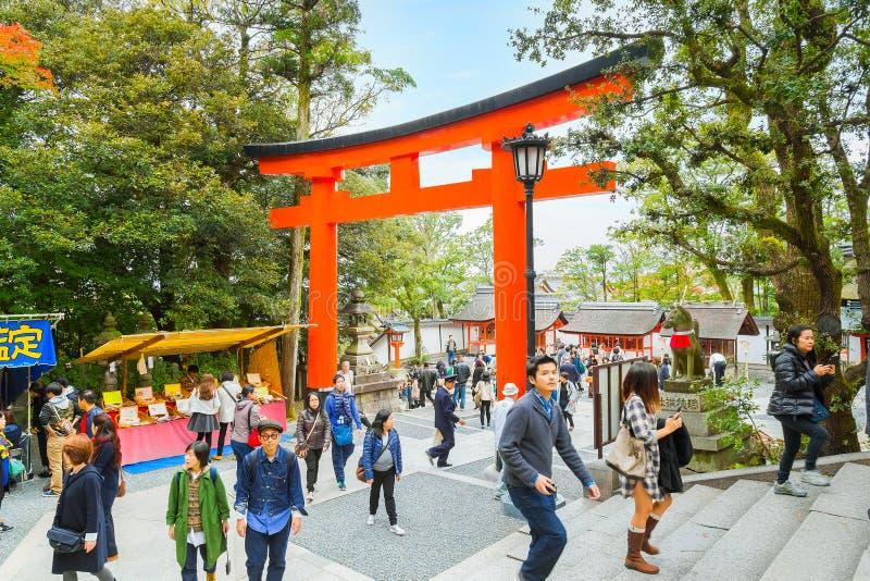 Fushimi Inari-taisha relikskrin i Kyoto royaltyfri bild