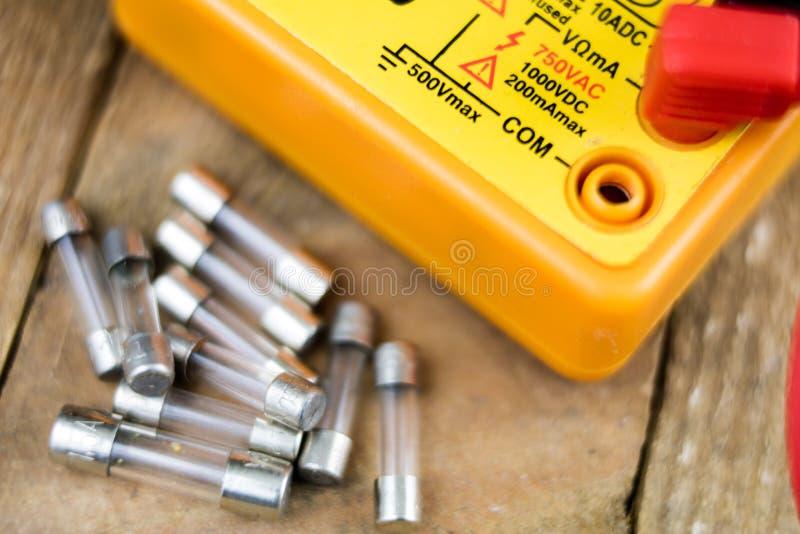 Fusible pour des dispositifs et des récepteurs électriques Accessoires et pièce de rechange images stock