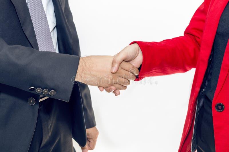 Fusie en Aanwinst De handdruk van de managerzakenman met vrouw royalty-vrije stock foto