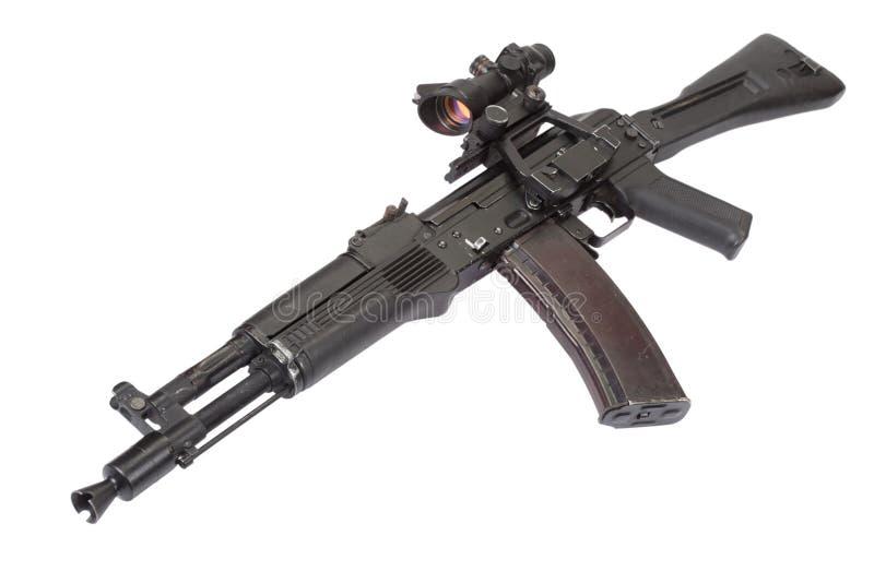 Fusil d'assaut moderne sur le blanc image libre de droits