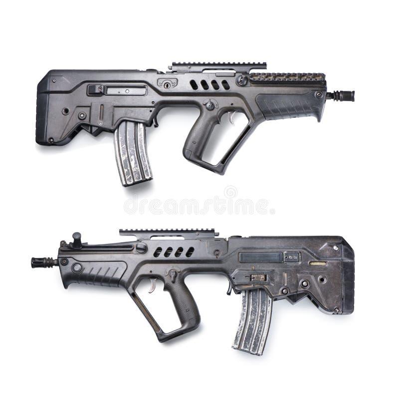 Fusil d'assaut sur le blanc photos stock