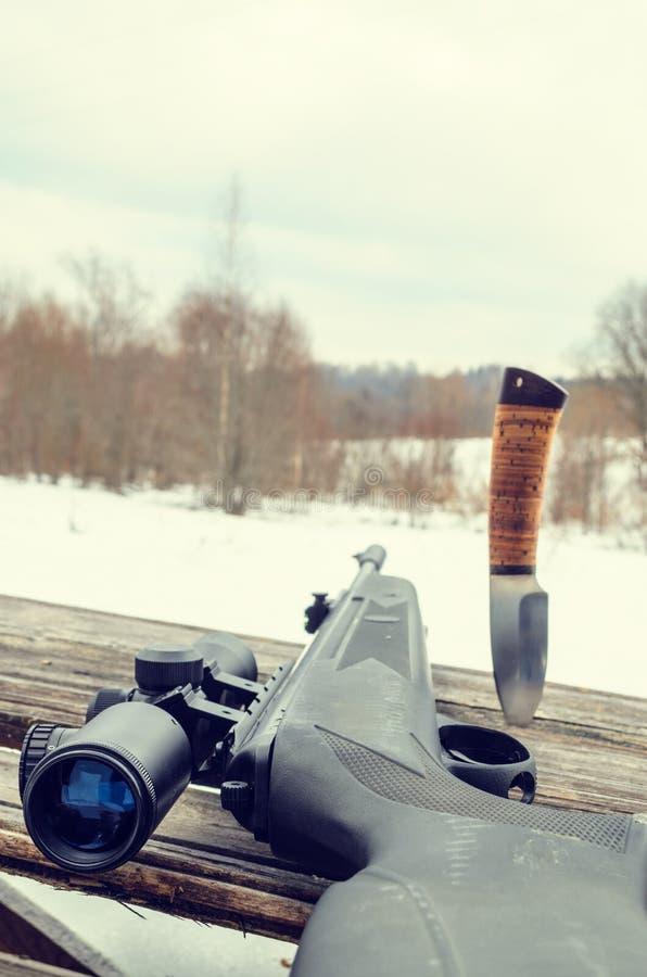 Fusil pneumatique avec un appareil optique de visée image libre de droits