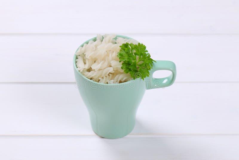 Fusilli van rijstdeegwaren stock fotografie