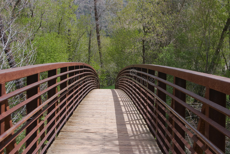 Fuss-Brücke lizenzfreie stockfotos