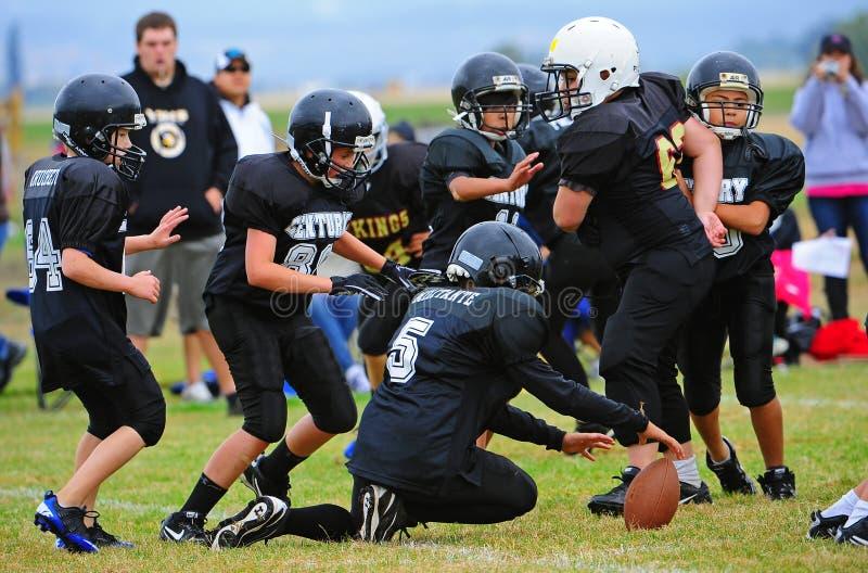 Futbol amerykański wypuszczenia piłki młodość