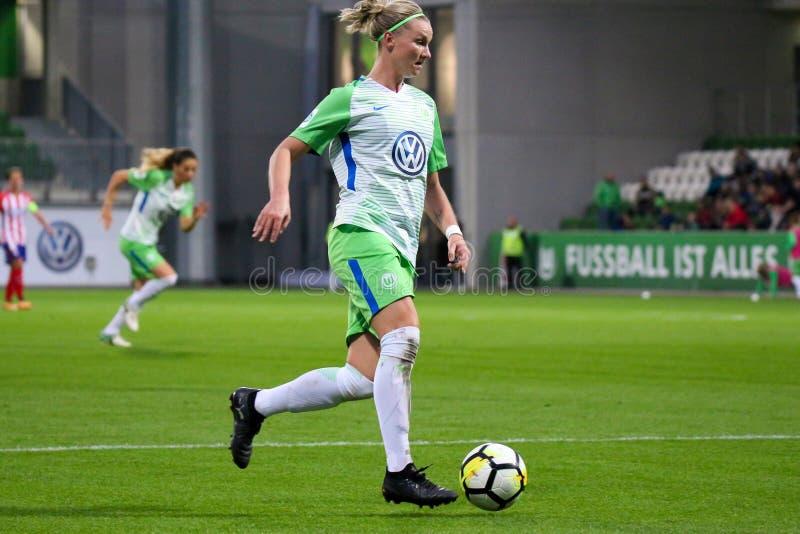 Futbolista de sexo femenino Alexandra Popp en la acción durante la liga de los campeones de las mujeres de la UEFA imagen de archivo libre de regalías