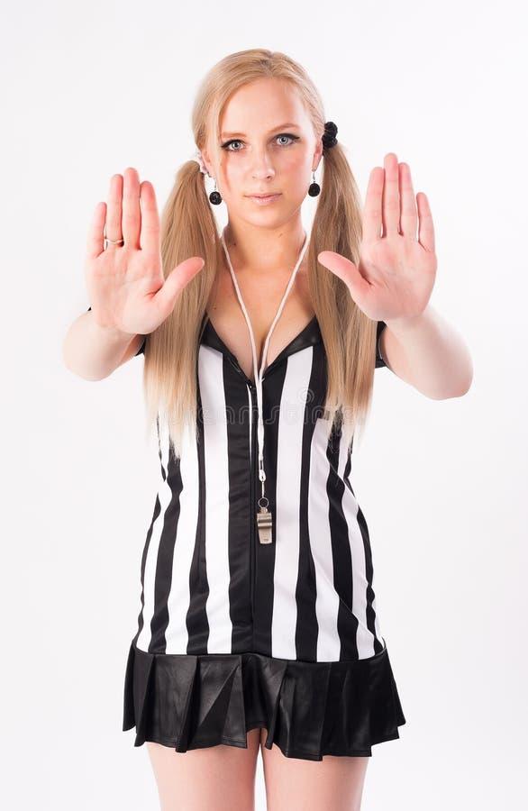 Futbolowy arbitra seansu przerwy gest zdjęcie stock