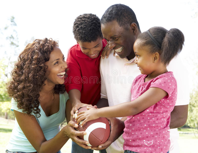 futbolu amerykański rodzinny park obraz stock