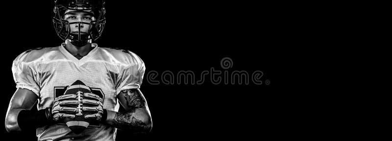 Futbolu amerykańskiego gracz, sportowiec w hełmie na stadium Pekin, china Sport tapeta zdjęcie stock